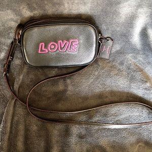 Authentic Coach Leather crossbody bag. Unisex